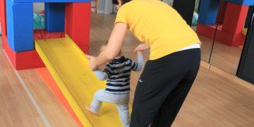 Bewegung fördern im Babyalter