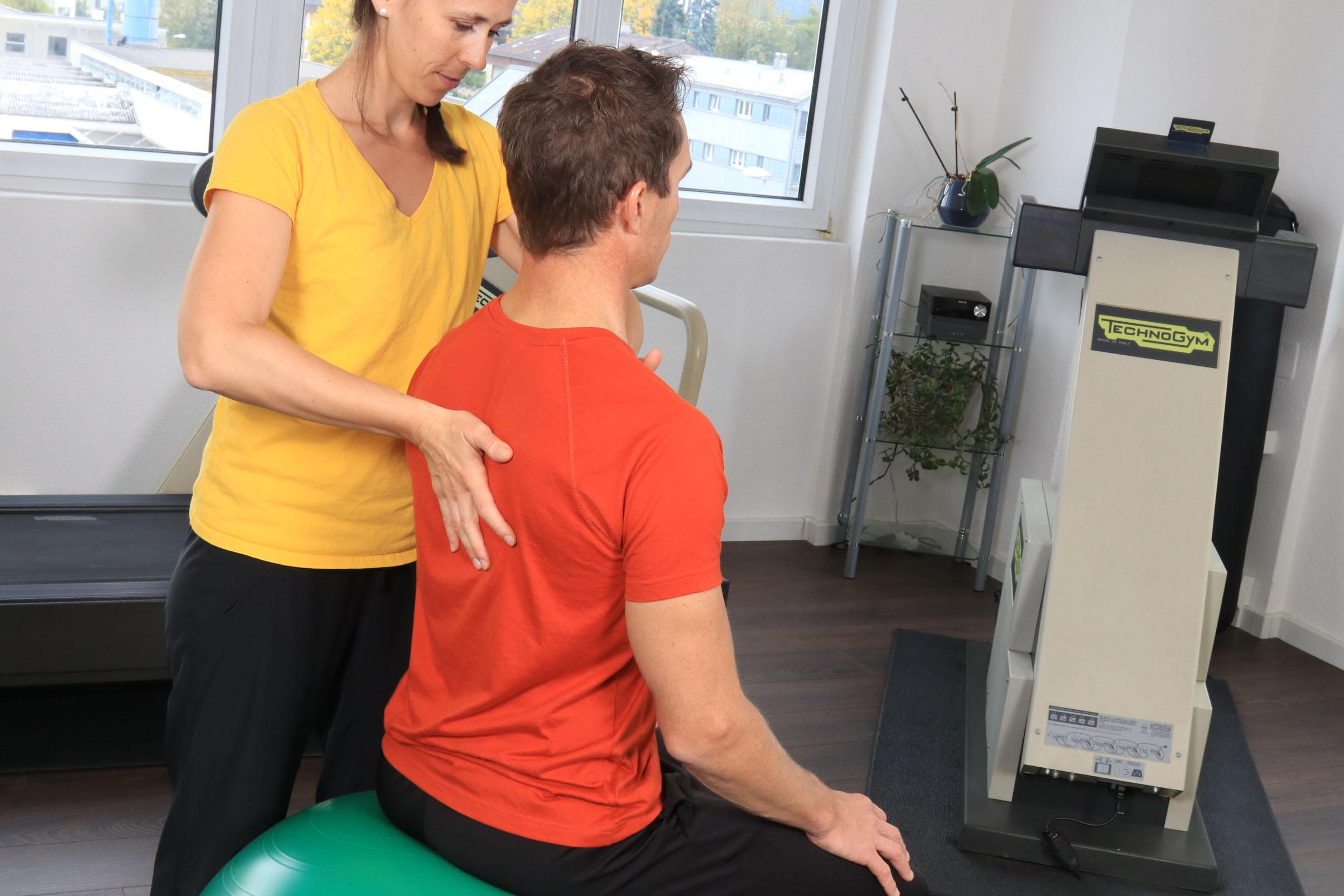 Physiotherapie-Rotkreuz-Zug